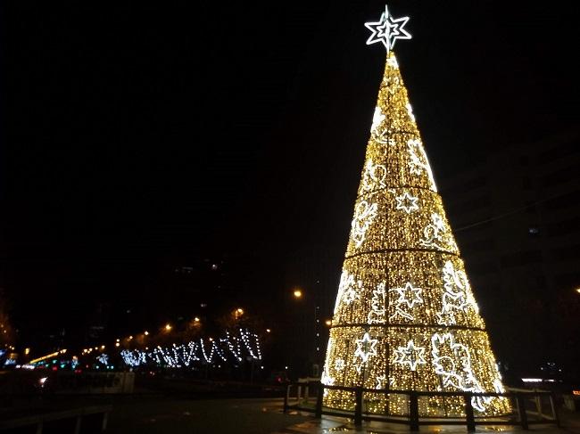karácsonyfa-Plaza-de-Castilla
