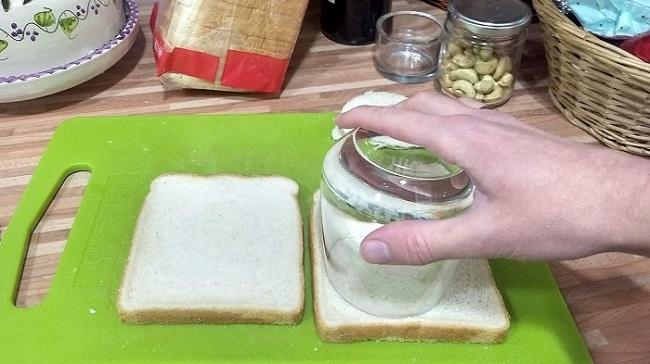 kenyér-kivágása-morcillafalatkák