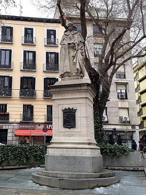 szobor-Tirso-de-Molina